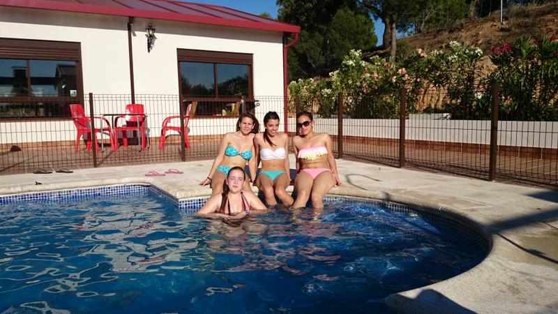 piscina-2-Almoroxball-multiaventura
