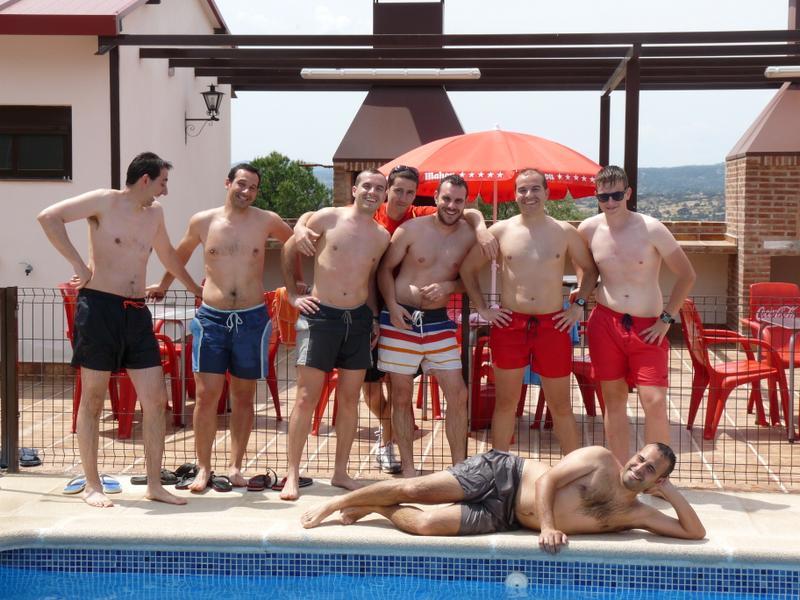 piscina-4-Almoroxball-multiaventura