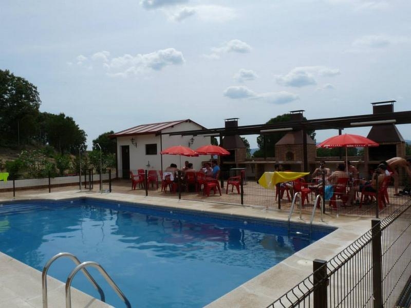 piscina-Almoroxball-multiaventura