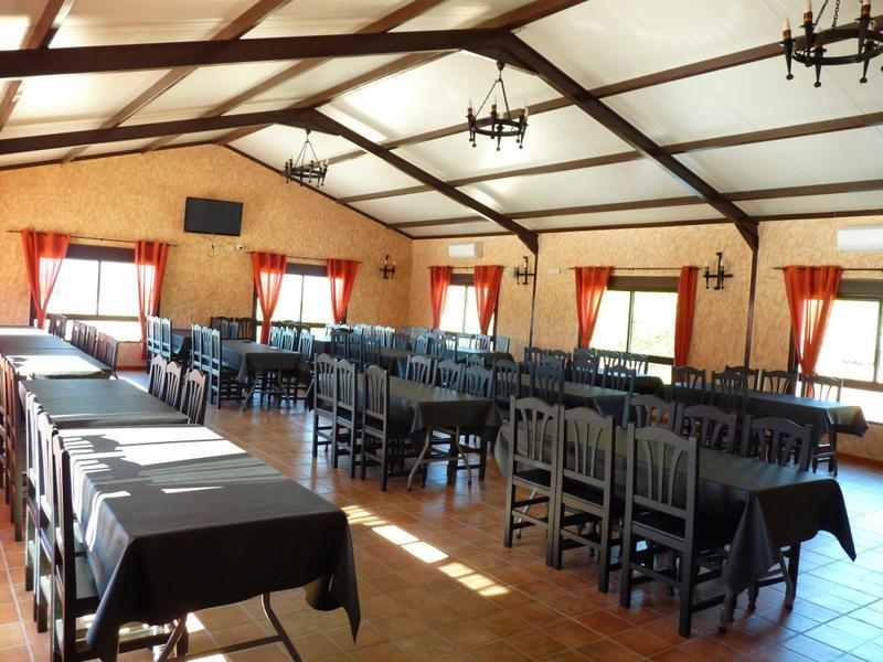 restaurante-3-Almoroxball-multiaventura
