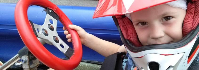 Montar en karts para niños